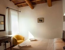 4-house-holiday-apartments-4-sleeps-agriturimo-umbria-torgiano-assisi-perugia-italy