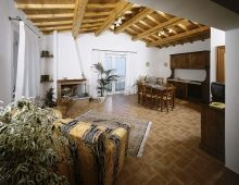 2-house-holiday-apartments-8-sleeps-low-cost-offerings-umbria-torgiano-italy