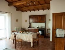 4-houses-holiday-apartment-6-pax-offer-families-torgiano-umbria-italy