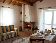 3-appartamenti-vacanze-caminetto-camino-country-house-perugia-umbria