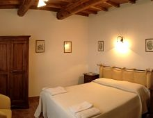 4-where-sleep-torgiano-perugia-rooms-house-of-campaign-assisi-offers-tourist-italy