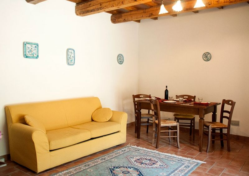 2-villages-more-beautiful-torgiano-house-to-holiday-in-umbria-near-assisi-farm-relaxation-italy