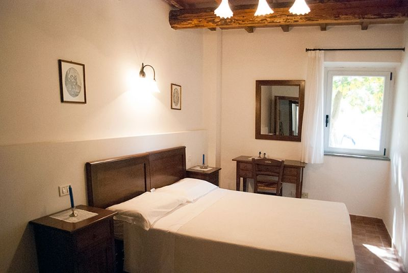 3-hospitality-welcome-home-vacation-green-umbria-apartments-with-pool-country